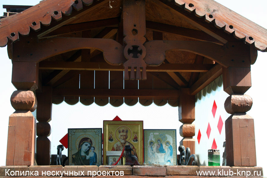 Придорожная церковь в деревне Бехово